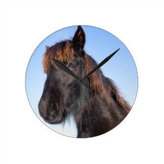 Reloj Redondo Mediano Cabeza del retrato del caballo negro del Frisian