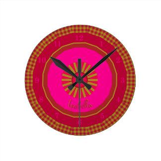 Reloj Redondo Mediano Controles de Strawberry Fields cones monograma