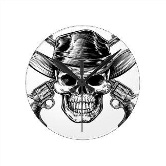 Reloj Redondo Mediano Cráneo y pistolas del vaquero