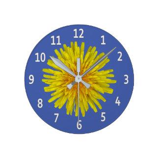 Reloj Redondo Mediano Dígitos blancos de la flor amarilla del diente de