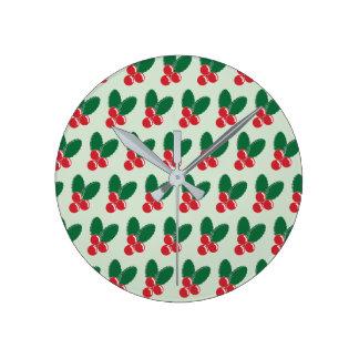Reloj Redondo Mediano El verde rojo de las bayas del navidad deja el