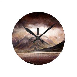 Reloj Redondo Mediano Escena majestuosa de la montaña de Islandia en un