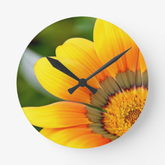 Reloj Redondo Mediano Floración amarilla