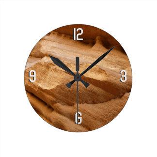 Reloj Redondo Mediano Fotografía del extracto de la roca del rojo de la