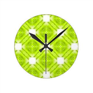 Reloj Redondo Mediano Geométrico verde y blanco del kiwi