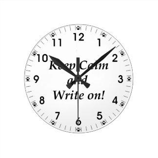 Reloj Redondo Mediano Guarde la calma y escriba encendido