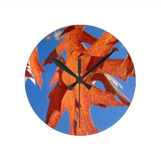 Reloj Redondo Mediano Hojas del roble rojo