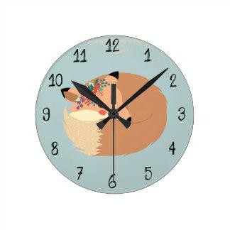Reloj Redondo Mediano Hojas lindas de la primavera y arbolado del Fox
