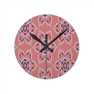 Reloj Redondo Mediano Impresión floral grande, gráfico intrépido