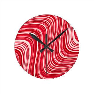 Reloj Redondo Mediano Líneas onduladas en rojo y blanco