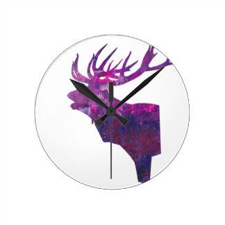 Reloj Redondo Mediano Macho principal de los ciervos en lila