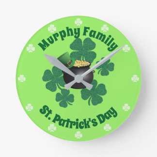 Reloj Redondo Mediano Mina de oro afortunada del día de St Patrick