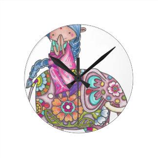 Reloj Redondo Mediano Nalini la pequeña Hindú