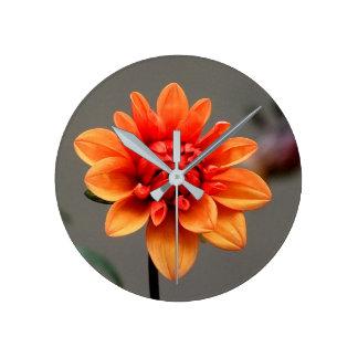 Reloj Redondo Mediano Naranja y gris