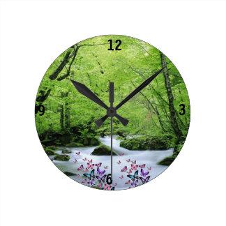 Reloj Redondo Mediano neture y mariposas blancos verdes