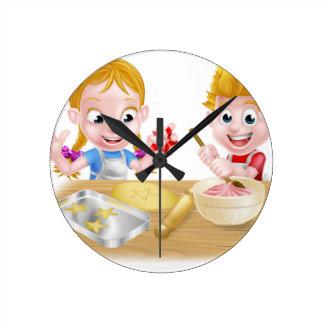 Reloj Redondo Mediano Niños que cuecen las tortas y las galletas