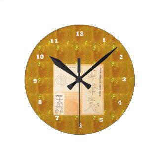 Reloj Redondo Mediano Oro curativo de REIKI: Oro del CRISTAL de las
