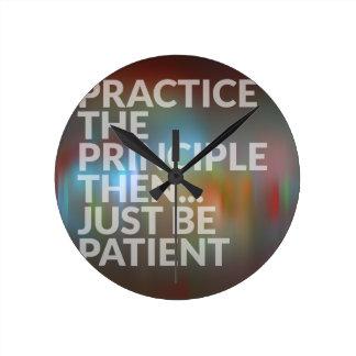 Reloj Redondo Mediano Paciencia