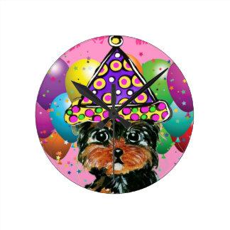 Reloj Redondo Mediano Perro del fiesta de Yorkie Poo