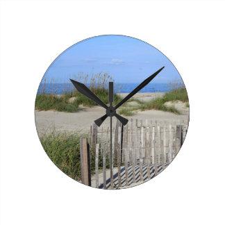 Reloj Redondo Mediano Playa de Caswell, tierra del NC y paisaje marino