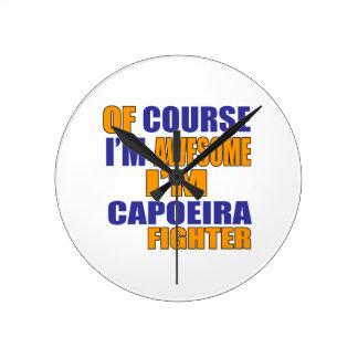 Reloj Redondo Mediano Por supuesto soy combatiente de Capoeira