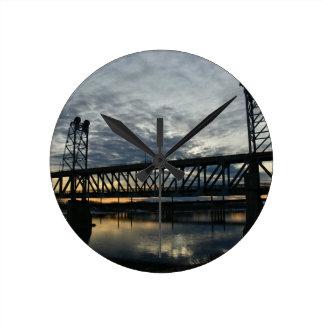 Reloj Redondo Mediano Puente