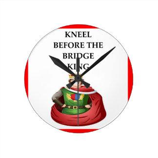 Reloj Redondo Mediano puente duplicado