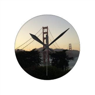 Reloj Redondo Mediano Puente Golden Gate en la puesta del sol