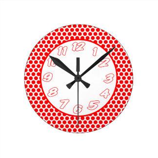 Reloj Redondo Mediano Puntos de polca blancos y rojos