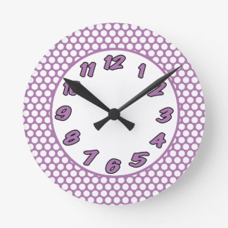 Reloj Redondo Mediano Puntos de polca púrpuras y blancos