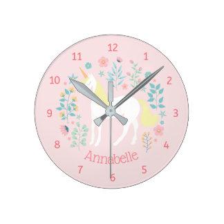 Reloj Redondo Mediano Rosa caprichoso del unicornio y de las flores