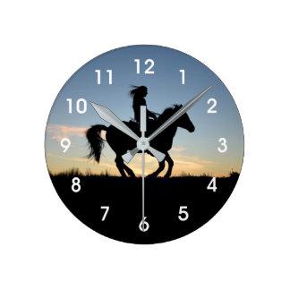 Reloj Redondo Mediano Silueta del caballo y del jinete