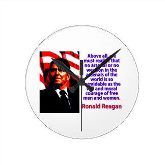 Reloj Redondo Mediano Sobre todo debemos realizar - a Ronald Reagan