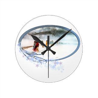 Reloj Redondo Mediano Sombra del búho en el rastro de rasgones