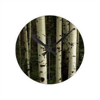 Reloj Redondo Mediano Textura de un retrato del bosque
