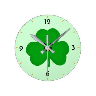 Reloj Redondo Mediano Trébol feliz