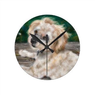 Reloj Redondo Mediano Un perro ama el agua