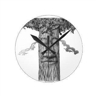 Reloj Redondo Mediano Un &W poderoso de la cubierta del árbol