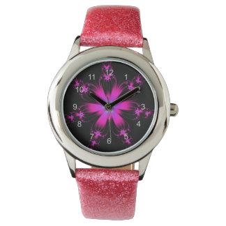 Reloj rosado de la explosión de la flor