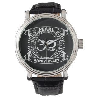 Reloj trigésimo escudo de la perla del aniversario de