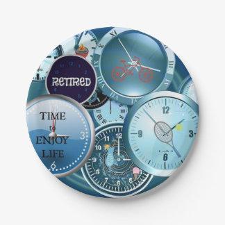 Relojes a montones: … Hora jubilada de disfrutar Plato De Papel