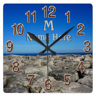 Relojes personalizados monograma de la decoración