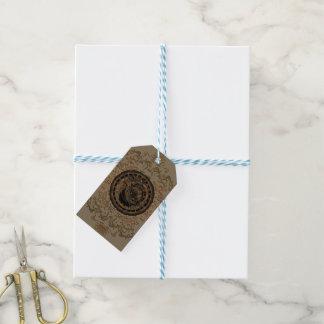 Relojes y muestras del zodiaco con los elementos etiquetas para regalos