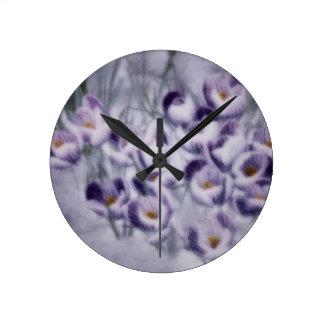 Remiendo del azafrán de la lavanda reloj redondo mediano