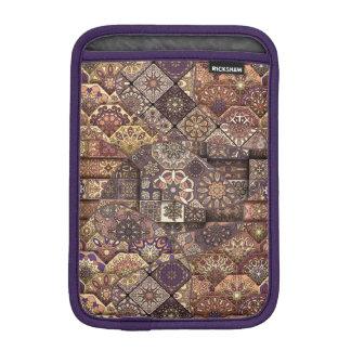 Remiendo del vintage con los elementos florales de funda para iPad mini