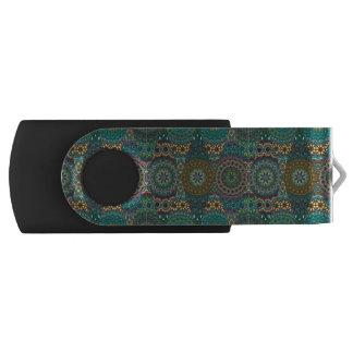 Remiendo del vintage con los elementos florales de memoria USB