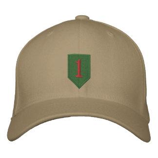 Remiendo grande del rojo uno gorra de beisbol bordada