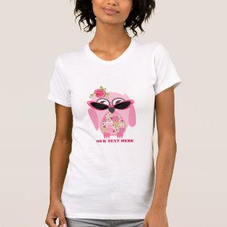 Remiendo y búho rosado con la camisa de las gafas