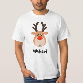 Reno con la camiseta de los hombres conocidos