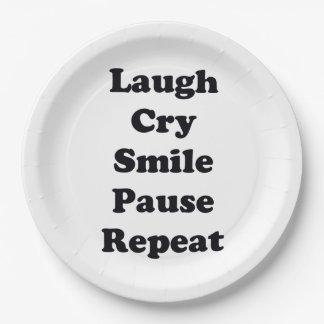 Repetición de la risa plato de papel